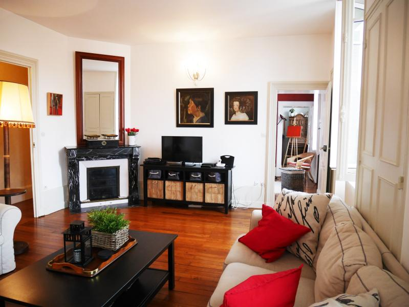 Large 85 Sq M Light Spacious Best View In Dijon 2 Bedrooms