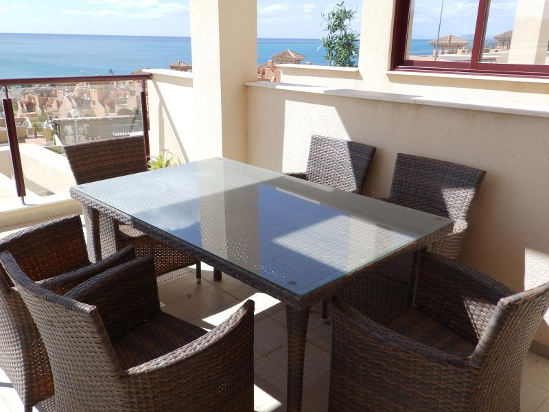 MH24- 2 Bed Apt Mojon Hills, near beach, registered with Murcia Tourist Board, holiday rental in Isla Plana