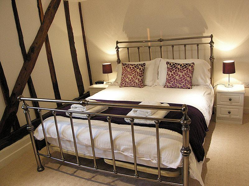 Wortwell Hall Barn Band B, Waveney Room, vacation rental in Pulham Market
