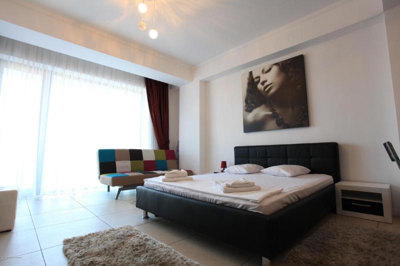 Apartament M&M - Tudor's Residence Mamaia, holiday rental in Constanta County