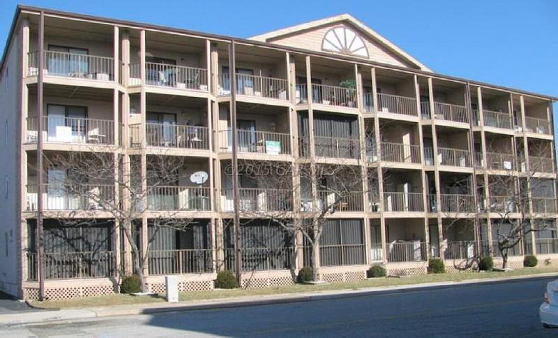 Clean, comfortable, first floor condo!, alquiler de vacaciones en Ocean City