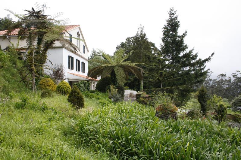 3 bedroom cottage & garden, vacation rental in Santo da Serra