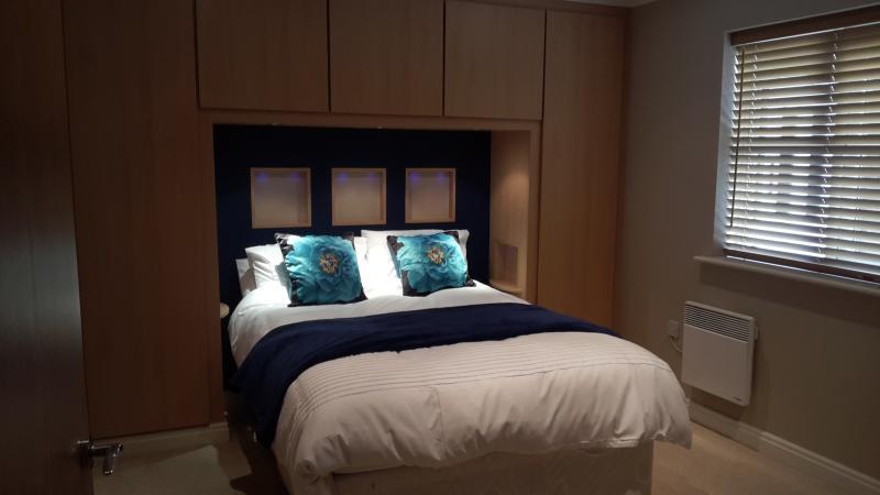 En-suite bedroom - mood lighting