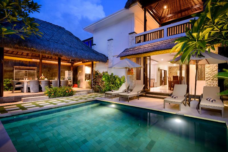 Coconuts Villa Balangan Beach Bali, vacation rental in South Kuta