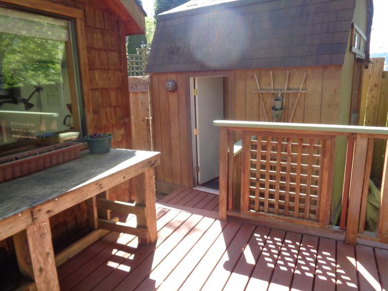 bathroom access off the deck