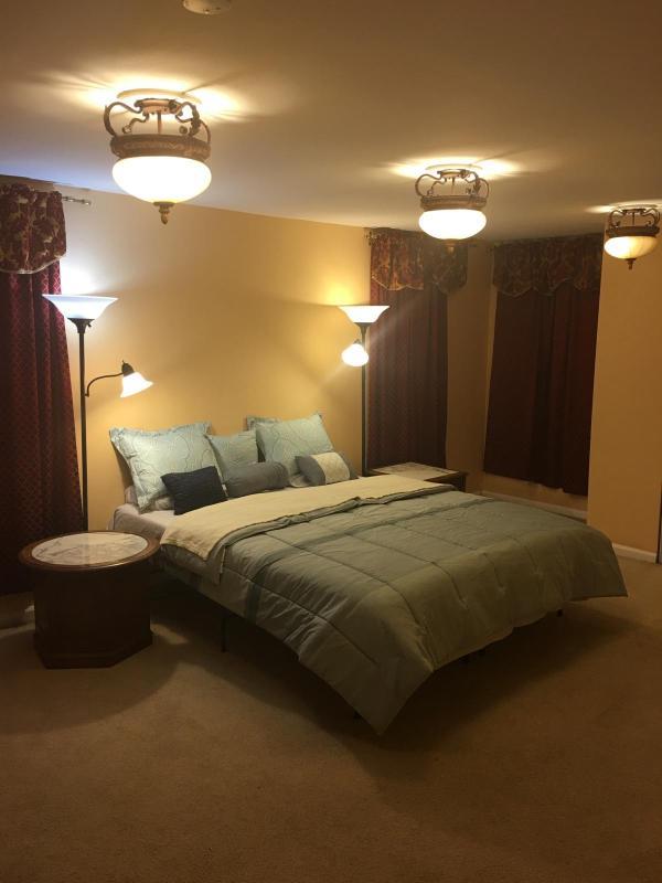 King bedroom (2nd floor)