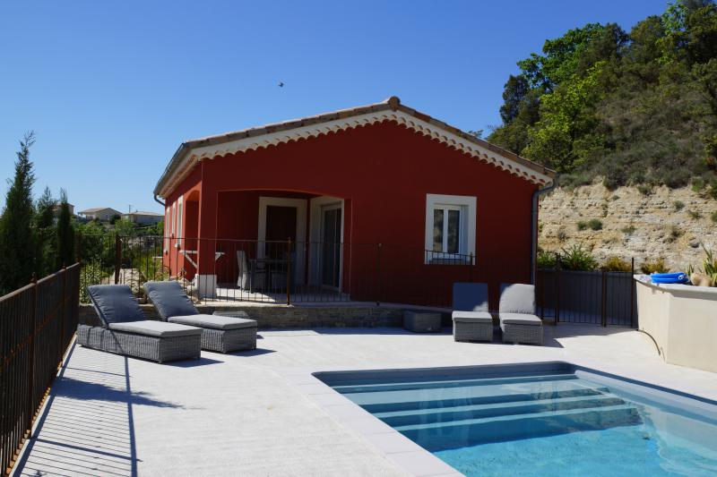 Villa CHATUS/ GAMAY avec piscine privée, vacation rental in Balazuc