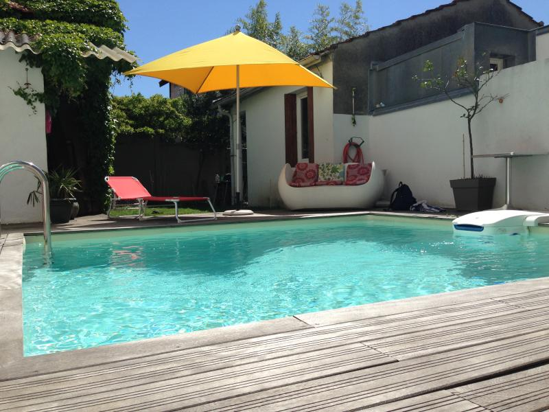 Town house in the heart of Bordeaux with swiming pool, holiday rental in Le Bouscat