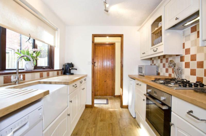 Kitchen with all the mod-cons and plenty of space to rustle up a fabulous meal!