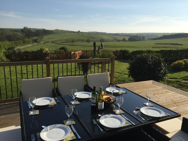 Open the bi-fold doors, sit out on the decking enjoy the wonderful views of the Lincolnshire Wolds.