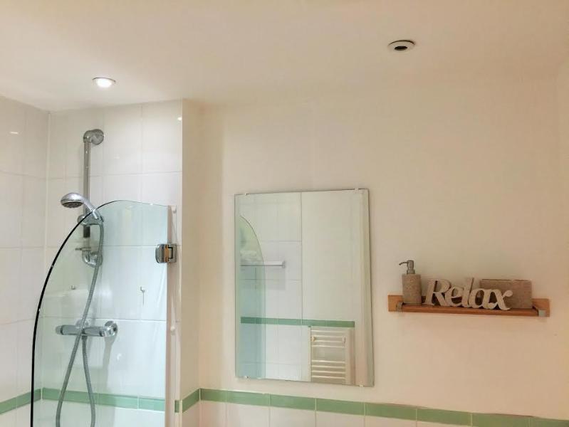 shower and Bathe