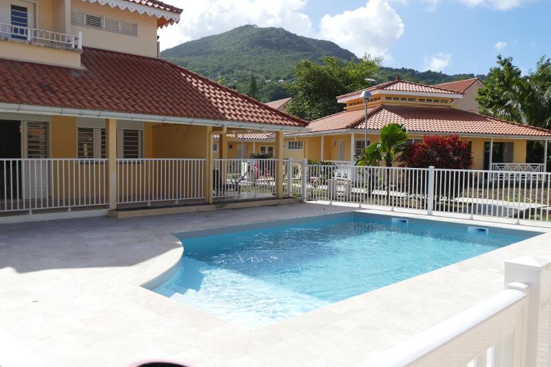appartement duplex 3 chambres, terrasse, jardin privatif et piscine