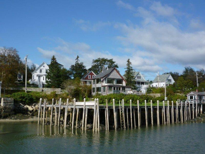 AQUARIAN ADJOURN - Stonington, holiday rental in Stonington