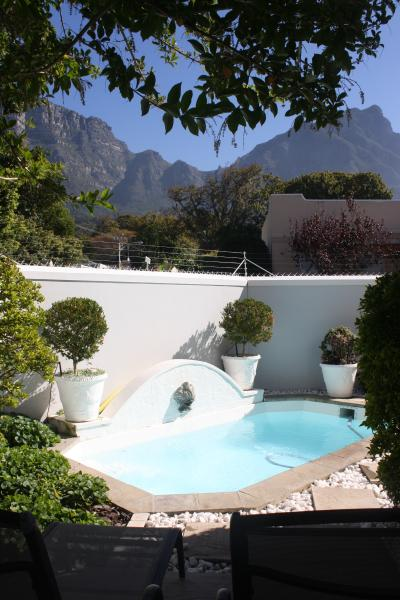 Plunge pool and view to Table Mountain