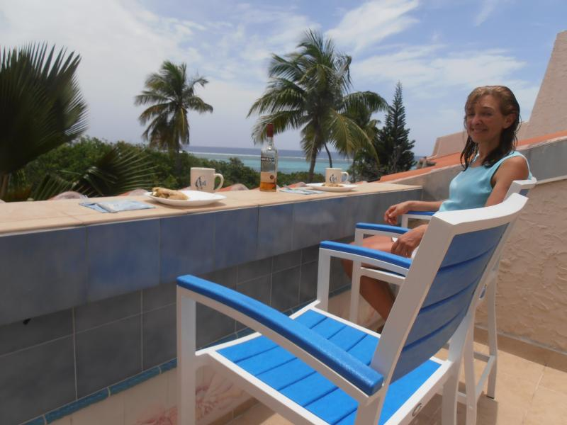 Eating On The Counter Overlooking The Caribbean From The Upper Bedroom Deck.