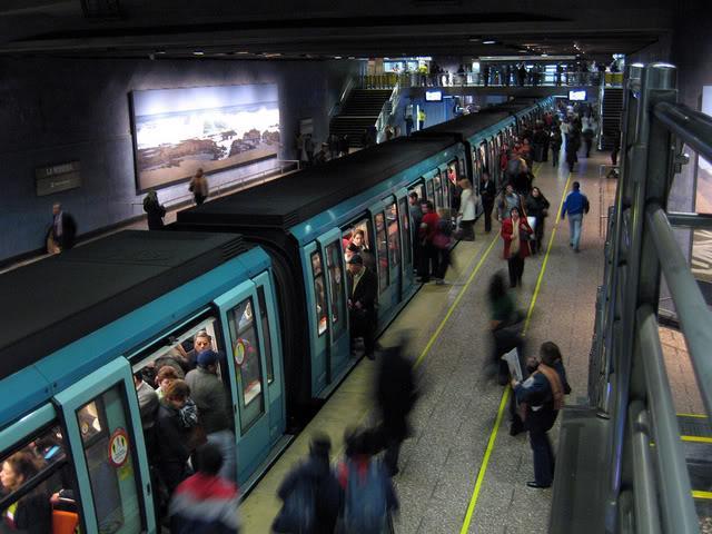 Metro la moneda a pasos del apartamento