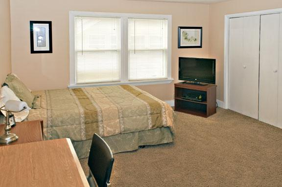 Sacagawea guestroom.  Up to two queen Areobeds can fit on the floor.