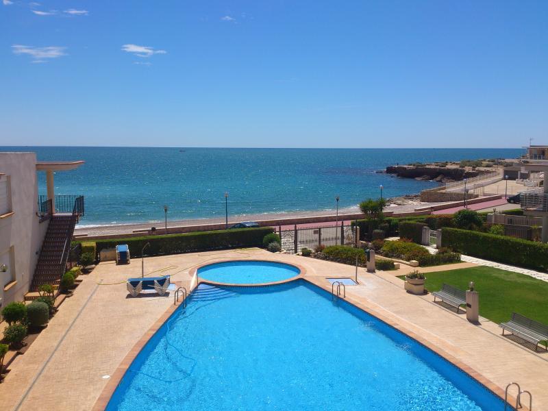 Apartamento con piscina comunitaria, holiday rental in Alcanar