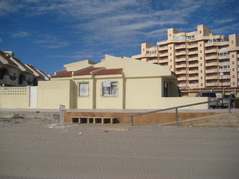 Foto desde la playa.  Primera linea de playa