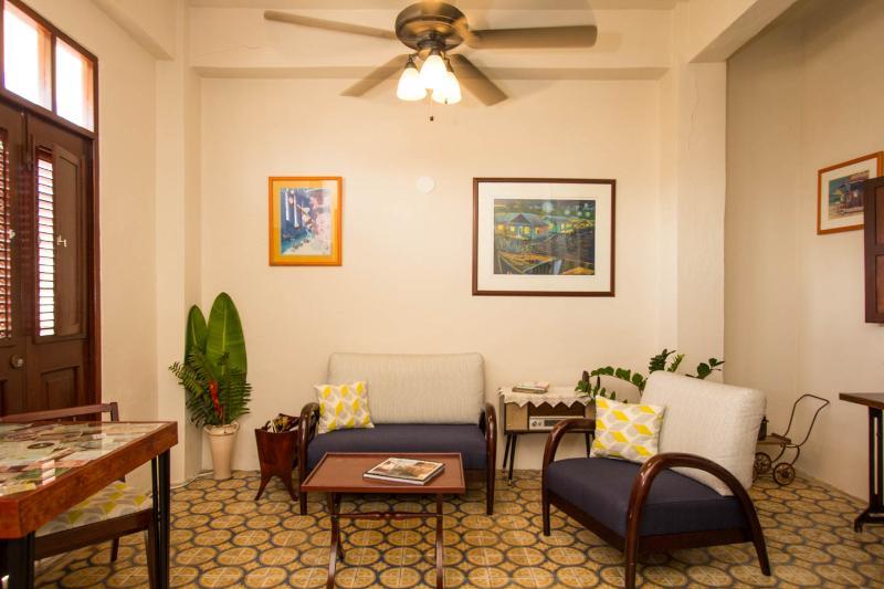 PH Colonial Apt w/ Private Terrace in Old San Juan, holiday rental in Toa Baja