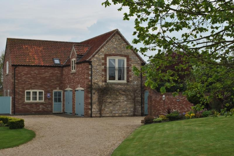 Ashes Lodge Holiday Cottage. Self Catering accommodation, 3 ensuite rooms sleeping up to 6 guests.