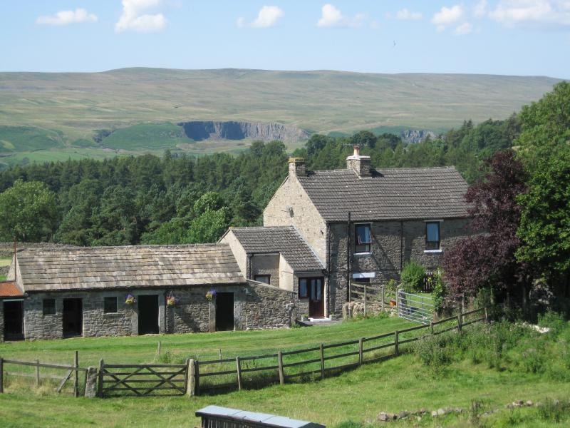 East Farm Holiday Cottage from the north east