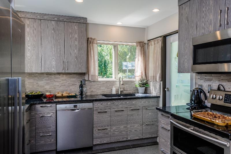 High end appliances, double oven. This is a cook's kitchen with everything you could ever need!