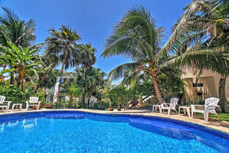 Paradise awaits you at this fantastic Akumal vacation rental condo.