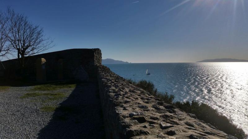 panoramica mare dalle mura