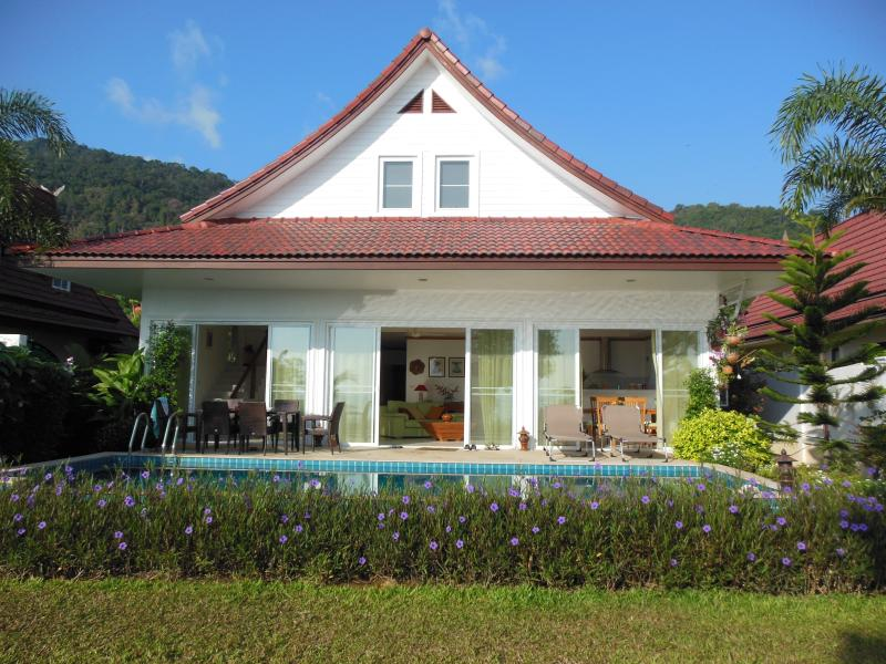Camellia Beachfront Villa