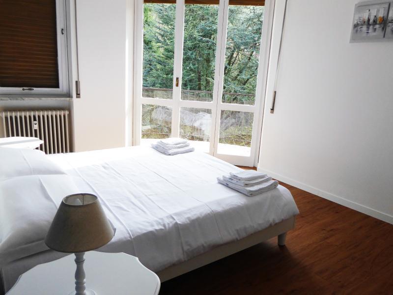 Costa Azzurra, vacation rental in Vezzo