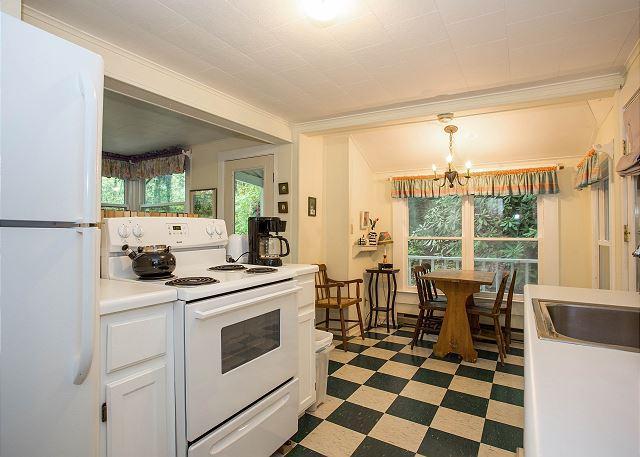 Keuken en eetgedeelte zitplaatsen voor 4