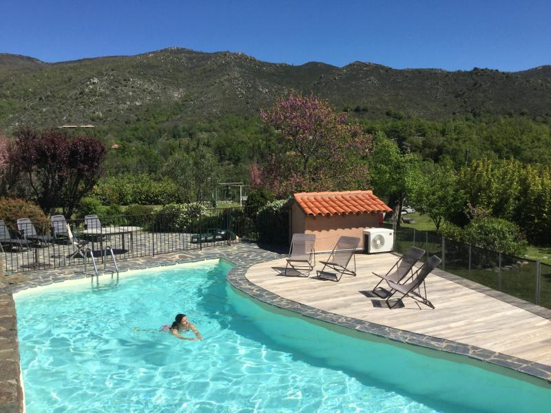 La Casa del gat villa piscine privative chauffée 2 à 12 pers, grand jardin calme, holiday rental in Pyrenees-Orientales
