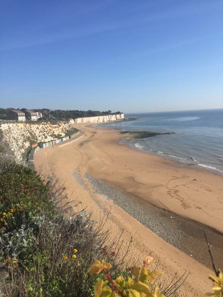 Beautiful Stone Bay is at the end of Dickens Road  - fun in the sun awaits!