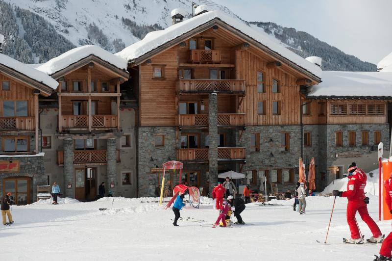 Chalet La Vanoise, as seen from the nursery slopes, well-located for ski school access