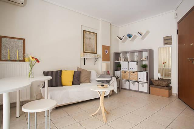 Nice&Cozy flat#1,near Acropolis,fully equiped,wifi, holiday rental in Tavros