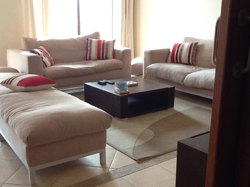 Downstairs living area.  We have cable TV with English, Portuguese and French TV channels.
