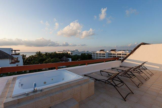 Monarch by the Sea (6300) — Duplex Penthouse, Rooftop Jacuzzi, A, vacation rental in Cozumel