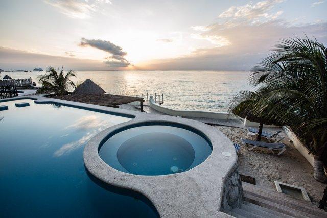 Casa Diane (202)—Beautiful Condo, Ocean View, Fantastic Pool, vacation rental in Cozumel