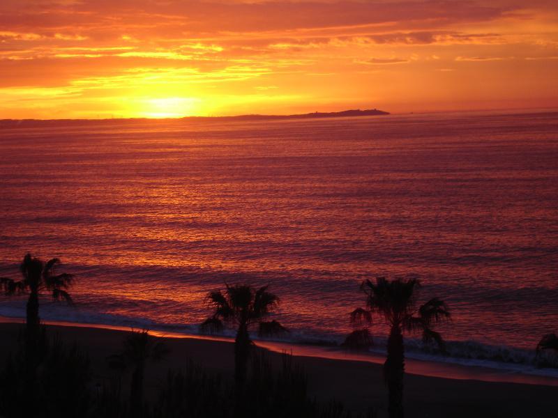 Lever de soleil depuis la maison sur le Cap Salou...