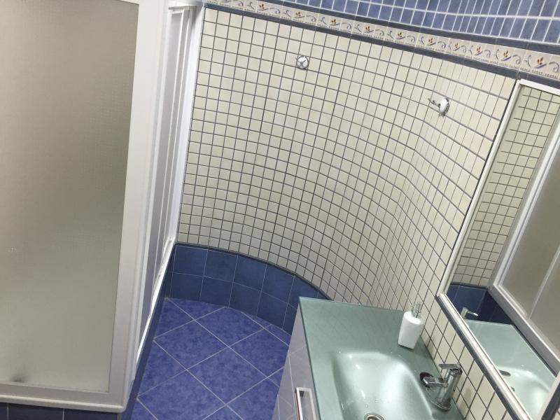 1 bathroom-toilet