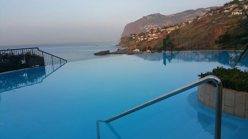 Swimming-Pool and View