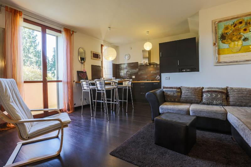 PETTIROSSO4 - Florence Boutique Flat, holiday rental in Trespiano