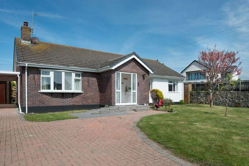 Home from home property just walking distance from the heart of the village and the beaches.