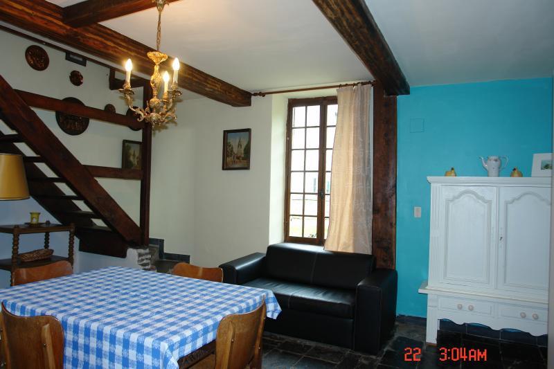 Cottage Ruisseau, vacation rental in Bourseigne-Vieille