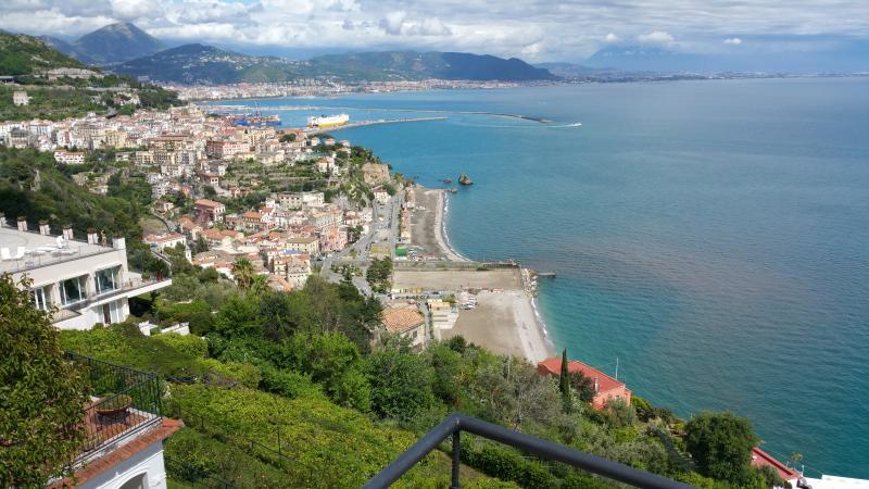 La Baia di Salerno vista da Raito