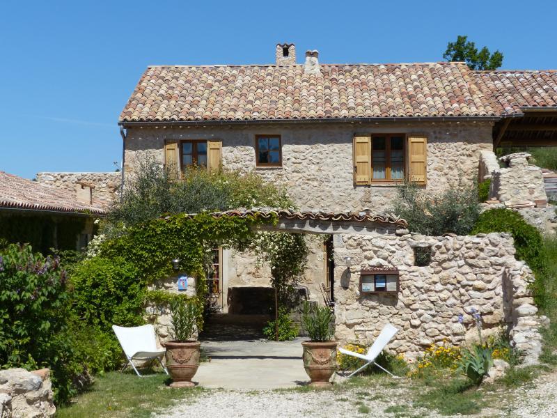La ferme du petit Ségriès à Moustiers Sainte Marie Verdon, chambres et table d'hôtes