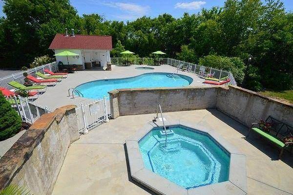 Appleview River Resort Pool