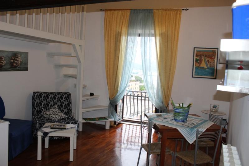 Bed & Breackfast  Un pò di mare ' Raggio di Sole', aluguéis de temporada em Gaeta
