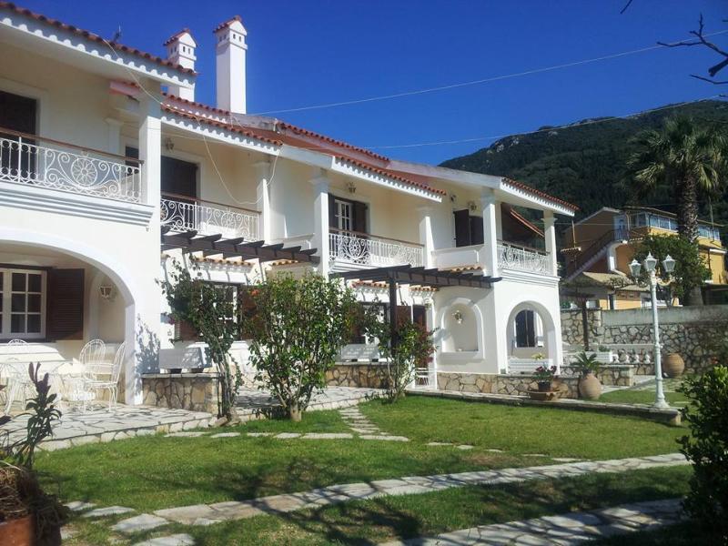3 bedroom accommodation in 2 adjacent garden apartments at Corfu beach Villa, holiday rental in Agios Gordios